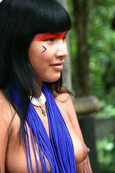 Femme amérindienne du Brésil