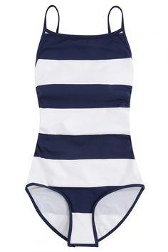 3dba36c1e Bikinis y bañadores de Oysho  estos son los 20 nuevos diseños que vas a querer  llevar - Bañador marinero