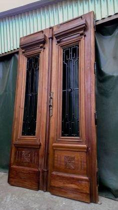 Oferta antigua puerta de frente en madera pino tea con for Puerta blindada antigua casa gutierrez