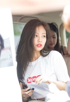 Image shared by Bbibbi ♡. Find images and videos about kpop, rose and blackpink on We Heart It - the app to get lost in what you love. Kim Jennie, Yg Entertainment, Mamamoo, South Korean Girls, Korean Girl Groups, Divas, High School Crush, The Encounter, Kim Jisoo