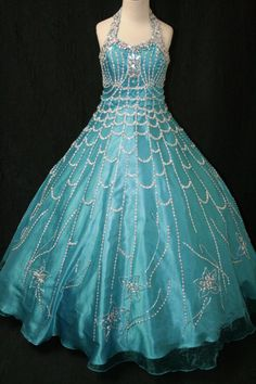 Winning Kid Pageant Dresses pictures For Little Kids - Beauty tips and tricks with Care n style Pagent Dresses For Kids, Pretty Dresses For Kids, Kids Party Wear Dresses, Gala Dresses, Ball Gown Dresses, Birthday Dresses, Little Girl Dresses, Dress Girl, Homecoming Dresses