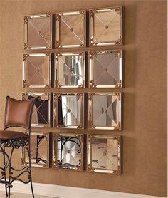 Square Mirrors by La Barge Inc. Deze stijlvolle spiegels, hebben een gold leaf finish.