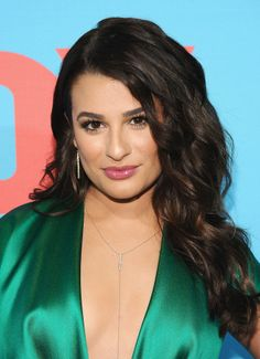 Voluminous curls, spiky lashes, and a plumped pink lip were a winning trio for Lea Michele at the Fox FanFront.