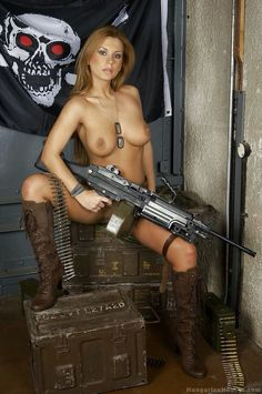All nude girls n guns