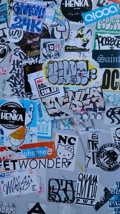 34 Wallpaper Frases Na Rua Ideas Graffiti Wallpaper Iphone, Rap Wallpaper, Retro Wallpaper, Aesthetic Iphone Wallpaper, Aesthetic Wallpapers, Graffiti Lettering Alphabet, Graffiti Writing, Graffiti Tagging, Urban Graffiti