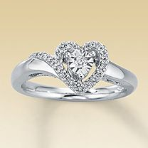 Found this exact ring in a parking lot next to my car.. With a little research I found out it was from Kay jewelers :)