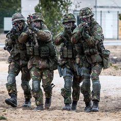 393 vind-ik-leuks, 3 reacties - Koninklijke Landmacht (@koninklijkelandmacht) op Instagram: 'Met welke groep ga jij (dit weekend) graag op pad?⠀ ⠀ #landmacht #koninklijkelandmacht #defensie…'