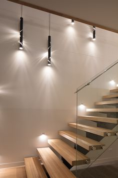 Open risers and timber treads, steel centre stringer and glass balustrade with stainless steel handrail Interior Stairs, Interior Architecture, Modern Townhouse Interior, Stairway Lighting, Townhouse Designs, Home Modern, Interior Design Photos, Staircase Design, Townhouse