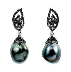 Jewellery: Yoko London - GF Luxury