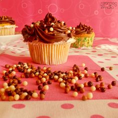 7gramas de ternura: Cupcakes de Baunilha com Ganache de Chocolate