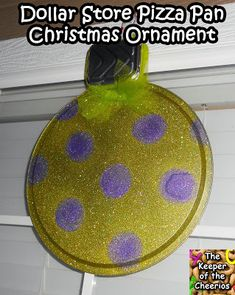 Dollar Store Pizza Pan Christmas Ornament – The Keeper of the Cheerios – Outdoor Christmas Lights House Decorations Whoville Christmas, Christmas Countdown, Winter Christmas, Christmas Bulbs, Christmas Christmas, Christmas Float Ideas, Christmas Parade Floats, Christmas Projects, Hot Toddy