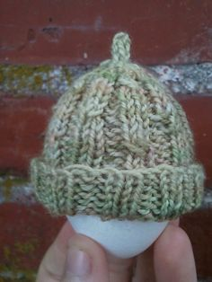 Ravelry: Tiny Twists Micro-Preemie Hat pattern by Tabitha Rose