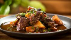 One Pot Meals, Main Meals, Other Recipes, Easy Recipes, Steak Au Poivre, Roast Lamb Leg, Healthy Meats, Lamb Stew, Slow Cooked Beef
