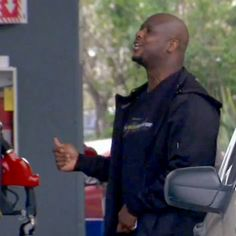 This is AWESOME!!! Gas pump prank turns couple into Internet sensation