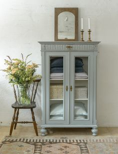 Refurbished Furniture, Paint Furniture, Repurposed Furniture, Furniture Makeover, Home Furniture, Furniture Inspiration, Room Inspiration, Yellow Kitchen Decor, Furniture Restoration