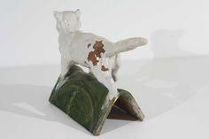 Середины - конца 19 века Французская керамическая черепица Кот $2,500 Керамика, Стекло ВЫСОТА:16 в. (41 см) ШИРИНА:21 в. (53 см) ГЛУБИНА:8 в. (20 см)