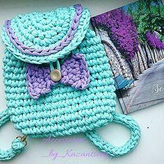 Crochet kids purse hobbies ideas for 2019 Love Crochet, Crochet For Kids, Diy Crochet, Crochet Crafts, Crochet Toys, Crochet Projects, Crotchet Bags, Knitted Bags, Crochet Handbags