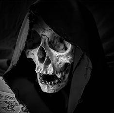 Dark Artwork, Skull Artwork, Skull Reference, Skull Sketch, Totenkopf Tattoos, Bild Tattoos, Skeleton Art, Dark Tattoo, Desenho Tattoo