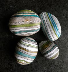 You want to make a new painted rock ideas? We have a new Rock Painting ideas for you. Pebble Painting, Pebble Art, Stone Painting, Rock Painting Ideas Easy, Rock Painting Designs, Stone Crafts, Rock Crafts, Pebble Stone, Stone Art