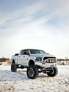 Bucket List: My dream truck... Dodge Ram 2500 Mega Cab/diesel... White or black! The bigger the better! :)