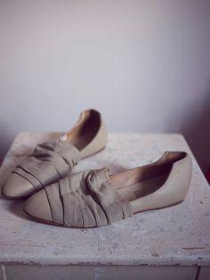 FRUIT  Vintage Italian shoes 80s cream leather by GaletaVintage
