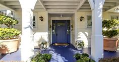 The A Beach House With A Blue Door On Amelia Island Hooked On Houses Interesting Blue Door House 57237 is one of images of decorating ideas for your house. Exterior Door Trim, Exterior House Colors, Exterior Paint, Rental Makeover, Urban Outfitters, Glass Front Door, Vacation Home Rentals, Entry Doors, Front Doors