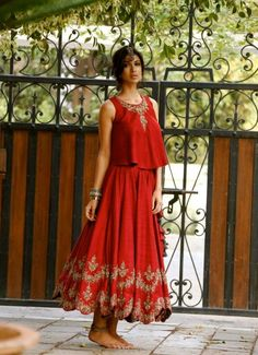 Jayanti Reddy red gold simple lengha w loose top