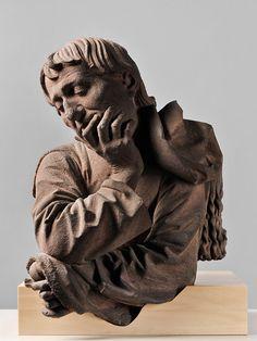 Nicolas de Leyde, Buste d'homme accoudé, Strasbourg, 1463. Grès rose. Strasbourg, Musée de l'Œuvre Notre Dame. Photo : M. Bertola