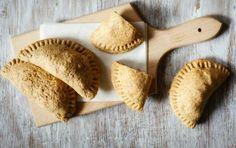 Τυροπιτάκια κουρού με φέτα και κασέρι - iCookGreek Bakery, Cooking Recipes, Bread, Breakfast, Food, Morning Coffee, Eten, Bakery Business
