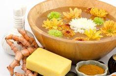 El jabón de jengibre y cúrcuma le aporta maravillosos beneficios a tu piel. Te compartimos la receta para que lo hagas en casa. Diy Soap And Shampoo, Beauty Detox, Beauty Treats, Soap Recipes, Home Made Soap, Natural Cosmetics, Handmade Soaps, Easy Cooking, Soap Making