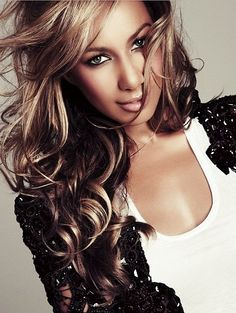 Listen to music from Leona Lewis like Bleeding Love, Better in Time & more. Find the latest tracks, albums, and images from Leona Lewis. Leona Lewis, World Music, Taylor Swift, Thing 1, Hair Dos, Pretty Woman, Her Hair, My Idol, Concealer