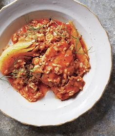 Slow-Cooker Smoky Braised Chicken and Fennel Chicken thighs braise slowly with a fragrant mixture of fennel, smoked paprika, onion, and brown rice for a delicious one-pot meal. Get the recipe for Slow-Cooker Smoky Braised Chicken and Fennel. Crock Pot Slow Cooker, Crock Pot Cooking, Slow Cooker Chicken, Slow Cooker Recipes, Cooking Recipes, Healthy Recipes, Crockpot, Cooked Chicken, Chicken Fennel