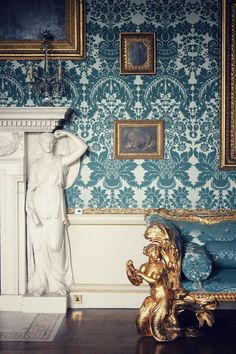 interior design, home decor, furniture, couches, sofas, walls, wallpaper, blue, gold, mermaids