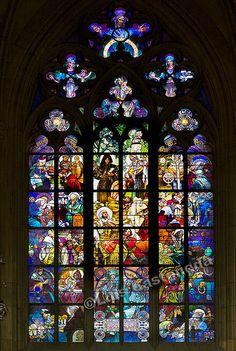 En güzel dekorasyon paylaşımları için Kadinika.com #kadinika #dekorasyon #decoration #woman #women Stained Glass Window. St. Vitus Cathedral. Prague.