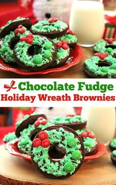Chocolate biscuits decorated like a Christmas wreath with wich we decorate our homes. Just let your imagination run wild.