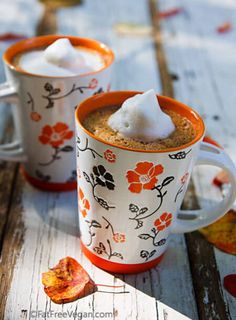 Vegan Pumpkin Spice Hot Chocolate // Sneak a little fall into your cozy winter drink with this pumpkin spice hot choco for double coziness. | The Green Loot ... #vegan #veganrecipes #vegandrinks #christmasrecipes #winterrecipes #hotdrinks