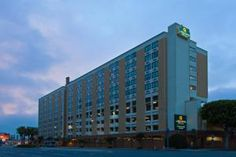 Los Angeles (CA) La Quinta Inn & Suites LAX United States, North America Stop at La Quinta Inn & Suites LAX to discover the wonders of Los Angeles (CA). Featuring a complete list of amenities, guests will find their stay at the property a comfortable one. Take advantage of the hotel's free Wi-Fi in all rooms, 24-hour front desk, facilities for disabled guests, express check-in/check-out, luggage storage. Some of the well-appointed guestrooms feature television LCD/plasma scree...