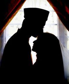 Tu saath h to hr mushkil aasan hai 🤗🤗 Cute Muslim Couples, Cute Couples, Best Facebook Profile Picture, Muslim Images, Muslim Couple Photography, Couple With Baby, Muslimah Wedding Dress, Islamic Cartoon, Anime Muslim