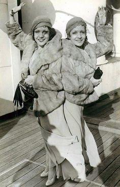 Daisy & Violet Hilton http://www.theglamourai.com/2014/01/life-is-a-cabaret.html