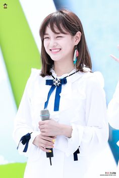 GUGUDAN - Kim SeJeong 김세정 #세정 #갓세정 #Gu9udan Pretty Korean Girls, South Korean Girls, Korean Girl Groups, Kim Sejeong, K Pop Star, Attractive People, Korean Actresses, Celebs, Celebrities