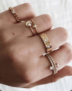 Diamond Jewelry, Gold Jewelry, Jewelry Accessories, Women Jewelry, Jewelry Box, Jewelry Armoire, Gold Bracelets, Diamond Earrings, Jewelry Making