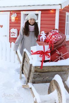 Kristín Vald - Delivering Christmas presents