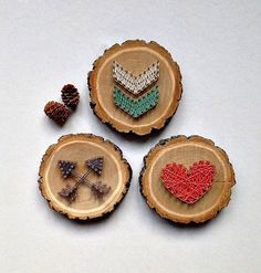 Wood Slice DIY Ideas - - Wood Slice DIY Ideas This soft colors of thread are great choice for decoration. In this case it is used for decoration of wood slices. Wood Crafts, Diy And Crafts, Crafts For Kids, Cool Diy, Hilograma Ideas, Craft Ideas, Nail String Art, String Art Patterns, Wood Burning Art
