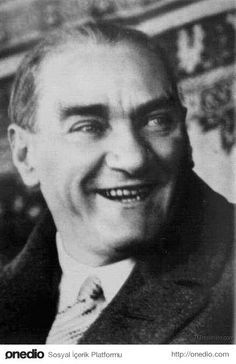 """12 September 1938 / """"Atatürk started to laugh. That was his last laugh. Turkish War Of Independence, Opera Software, Turkish Army, The Legend Of Heroes, The Turk, Great Leaders, Historical Pictures, Galaxy Wallpaper, Most Beautiful Man"""