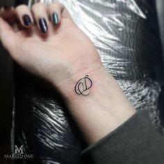 Simple cute initial tattoo on the wrist. Very girly and petite . - Simple cute initial tattoo on the wrist. Very girly and petite … – Simple cute initial tattoo - Initial Wrist Tattoos, Wrist Tattoos Girls, Bff Tattoos, Finger Tattoos, Body Art Tattoos, Hand Tattoos, Small Tattoos, Alphabet Tattoo Designs, Tattoo Designs Wrist