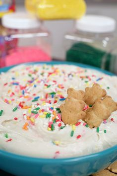 Pin for Later: 3-Ingredient Recipes You Can Throw Together in a Flash 3-Ingredient Funfetti Dip This no-bake dip involves whipping together Funfetti cake mix, plain yogurt, and Cool Whip.
