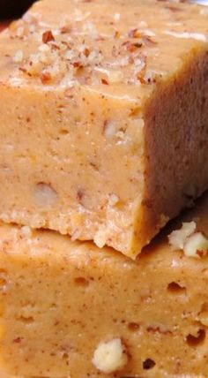 This easy pumpkin fudge is rich, smooth, and loaded with pumpkin flavor. No candy thermometer necessary, and only 15 minutes of hands-on work! Fudge Recipes, Candy Recipes, Sweet Recipes, Dessert Recipes, Dessert Bars, Pumpkin Fudge, Pumpkin Dessert, Just Desserts, Delicious Desserts