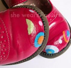 Les enfants font la vie dure aux chaussures: Voici un truc astucieux pour les réparer sans dépenser un rond - Bricolages - Trucs et Bricolages