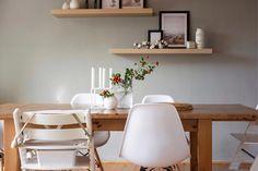 Ještě pár šípkových cvaků. 📸 A konečně máme všechny židle stejné. 🙏🏻 (Tedy krom těch dětských... 😉) _____________________________________ #podzim #home #šípky #váza #podzimnidekorave #milkycz #laladesign #whitebeauty #myhomeinspiration #igers #beauty #instagood #miluju #whiteliving #styling #decoration #domovjetohlavnicostojizatotvorit utulnydomov #myhomeinspiration #livingroomdecor #myhome #passion4interior #interiors #interiør #interior123 #boligpluss #homeinspo #decoration #... Interior S, Floating Shelves, Dining Table, Furniture, Instagram, Home Decor, Decoration Home, Room Decor, Wall Shelves