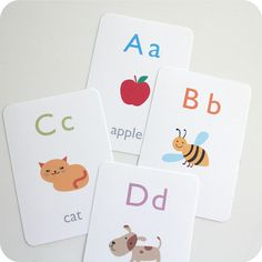 Free Alphabet printable flash cards.  Need to try my new laminator out on these!